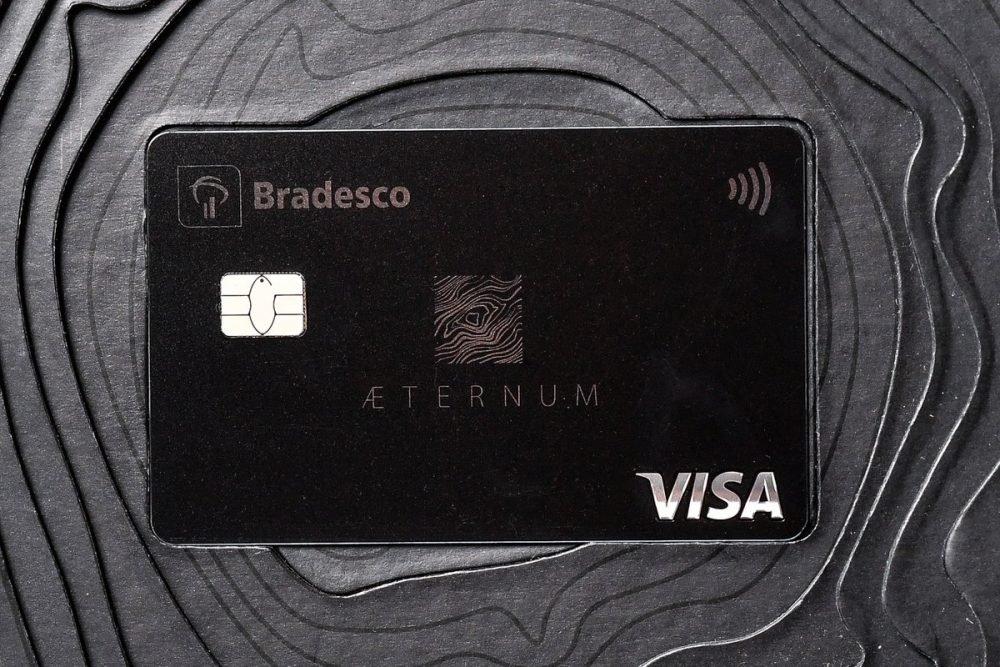 Conheça o cartão bradesco aeternum que possui a bandeira visa infinite!