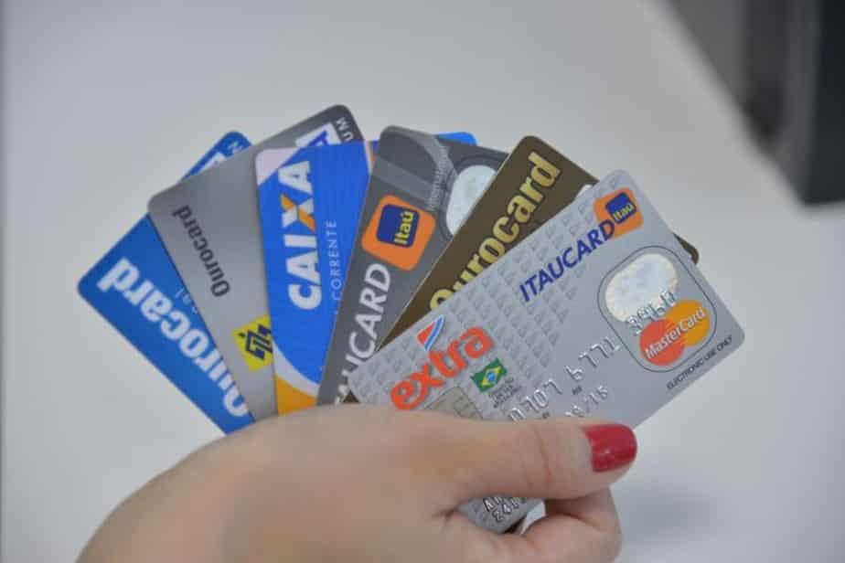 Conheça as principais diferenças entre o cartão consignado e o cartão de crédito!