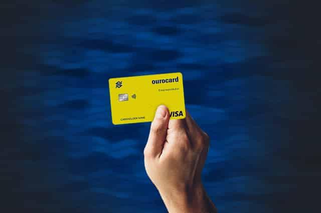 Conheça o cartão ourocard universitário feito especialmente para estudantes!