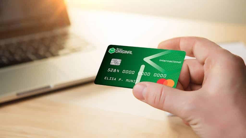 Descubra como aumentar o limite do seu cartão de crédito original!
