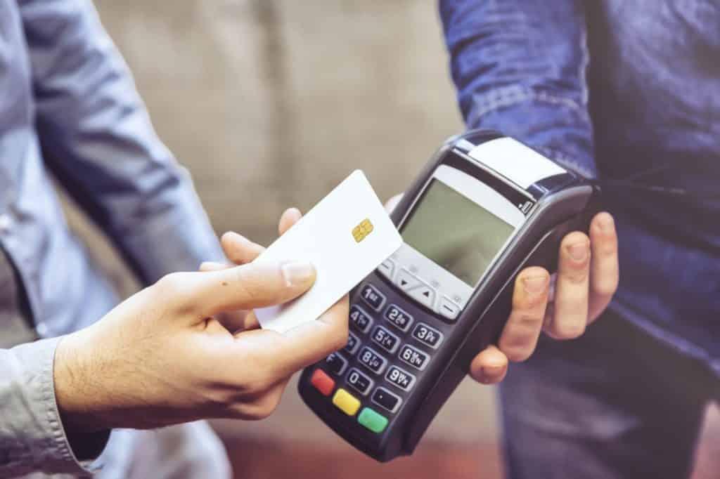 Ipva parcelado no cartão de crédito: entenda mais sobre essa opção