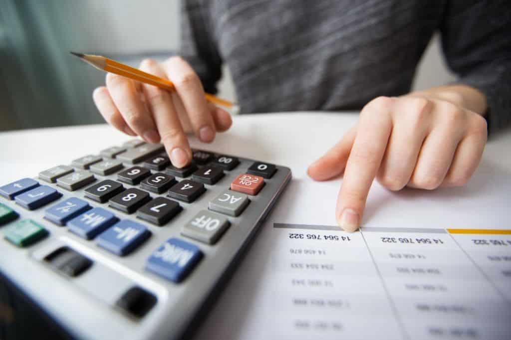 Finanças são um dos principais motivos de estresse das famílias brasileiras: entenda porquê!