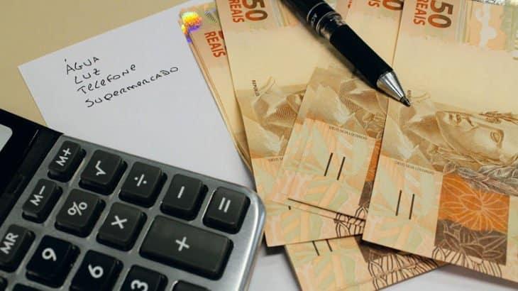 É possível ganhar dinheiro pagando contas; confira como!