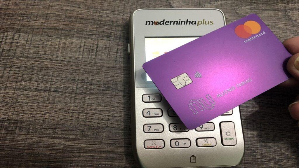 Saiba como receber pagamentos de maquininha de cartão no nubank
